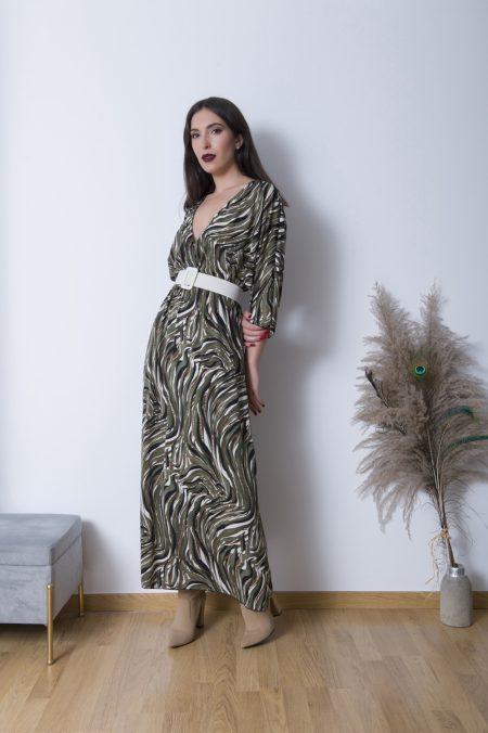 Το Kate Maxi Φόρεμα Κρουαζέ είναι ένα άνετο φαρδύ φόρεμα σε πολύ μαλακό ύφασμα που πέφτει ανάλαφρα πάνω στο σώμα . Καλύπτει έως Xlarge plus νούμερο και έχει balloon εφαρμογή.