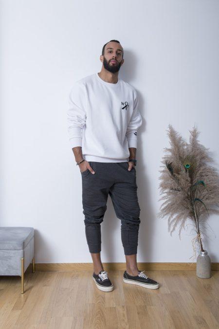 Το Whitetie Round Neck Sweatshirt είναι το πιο easy-wear φούτερ της σεζόν! Διαθέσιμο απο s εως 3xl νούμερο φοριέται ευκολα τόσο απο γυνακές όσο και άντρες.Η βαμβακέρη σύνθεση του το κάνει ιδανικό για κάθε μέρα . Διατίθενται με το σήμα της εταιρίας η΄ και χωρίς