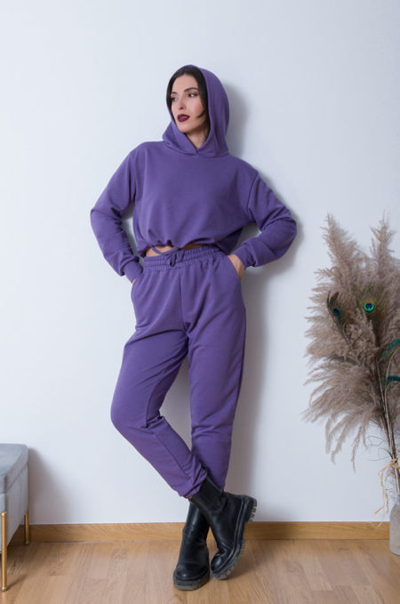 Tο Ελληνικής κατασκευής βαμβακερό Girl ΚοντόΦούτερ in Purple ,ήρθε για να μείνει! Άνετo και μαλακό είναι εξαιρτική επιλογή για κάθε casual έξοδο.Καλυπτεί εως large+ νουμέρο.
