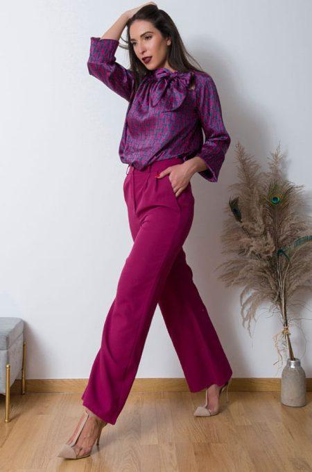 Συνδιάστε την Παντελόνα Γραφείου με λεπτή πουκαμίσα για μια άκρως θυληκή εμφάνιση ή φορέστε την oversized πουλόβερ και μποτάκια.