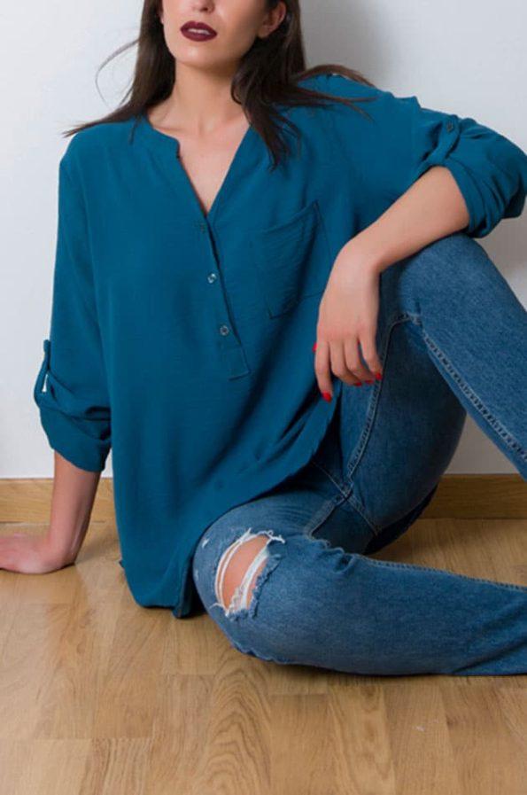 """Tο CrepeMaoNeck πουκαμισο είναι ευκολοφόρετο πουκάμισο ,με φαρδια άνετη γραμμή που καλύπτει εύκολα εως large+ νούμερο. Ανανεωθείτε άμεσα φορώντας το θα είναι το """"go to"""" για κάθε μέρα.!"""
